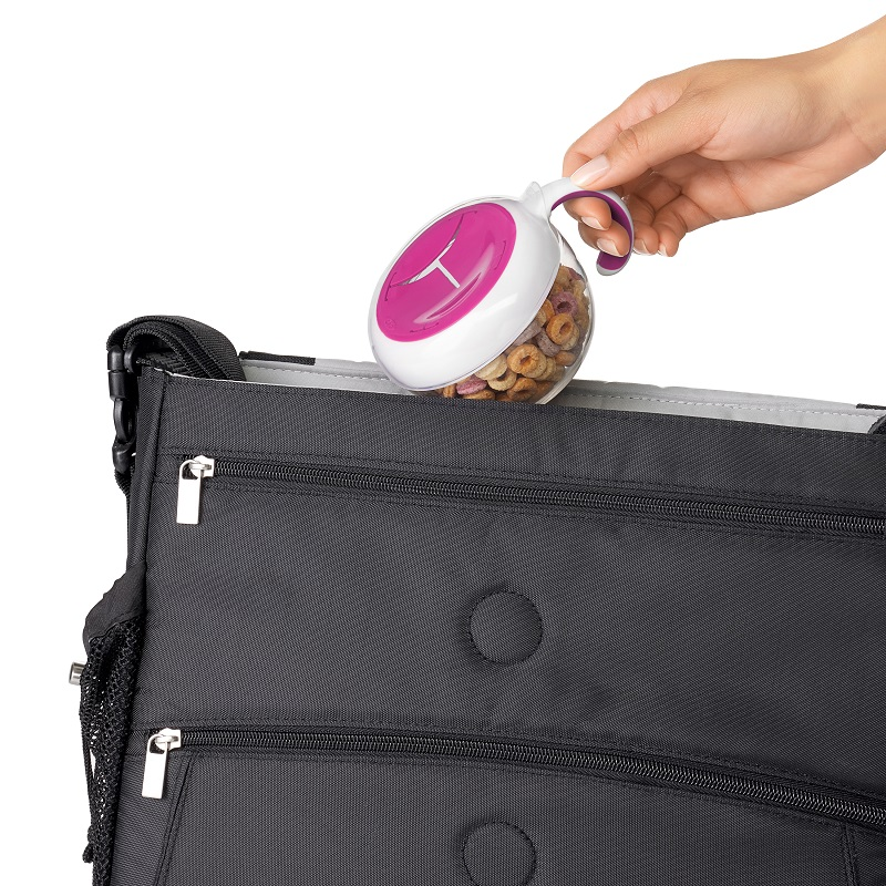 Snacksburk OXO-Tot Flippy Snack Cup rosa